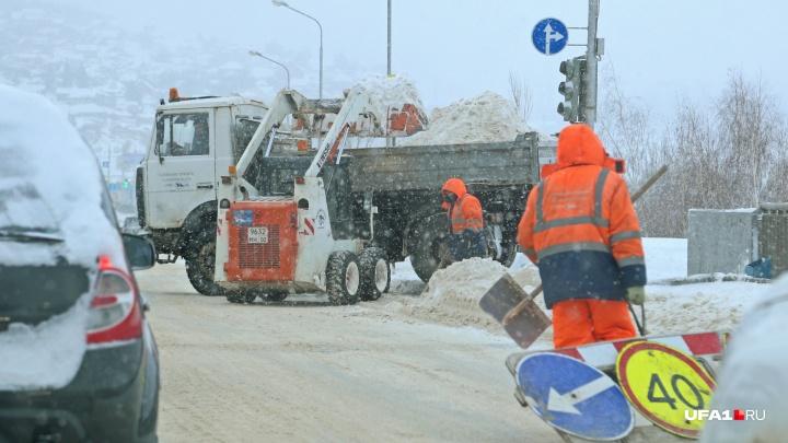Осторожно, снегопад: в Уфе грузовикам запретили въезжать в город
