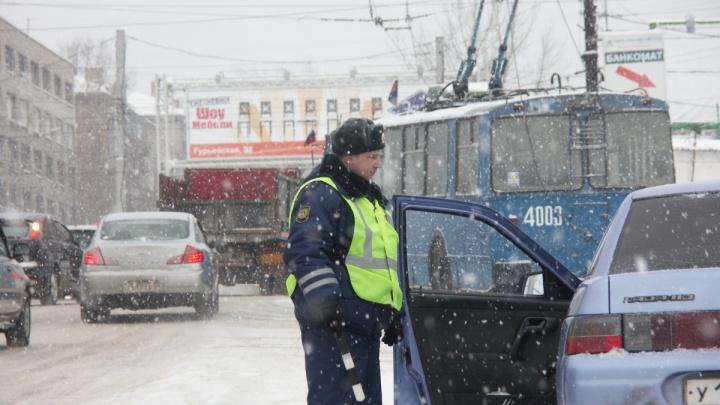 Автоинспекторы поймали 8 пьяных водителей за последний день декабря и новогоднюю ночь