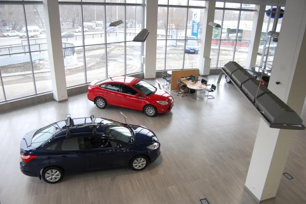Больше всего новых машин купили в Москве, Петербурге и Казани
