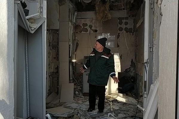 Сейчас на месте разбирают последствия взрыва, сообщили очевидцы