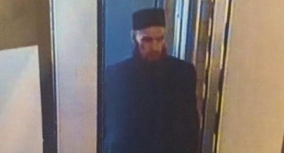 Предполагаемый террорист, устроивший взрыв в метро Санкт-Петербурга, попал на камеры видеонаблюдения