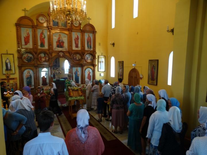 Вот одна из поездок епископа Пармена — визит в Чесму