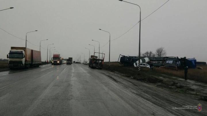 В Волгограде будут судить дальнобойщика, выбросившего фургон на встречку