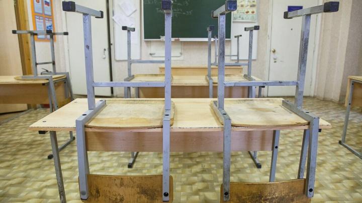 «Не раз предупреждали»: мэрию Волгограда заставили ремонтировать школу в Дзержинском районе
