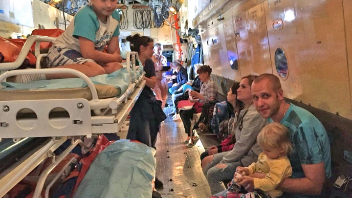 «Нужна помощь онколога и кардиологов»: из Ростова в Москву отправили лечиться 12 донецких детей