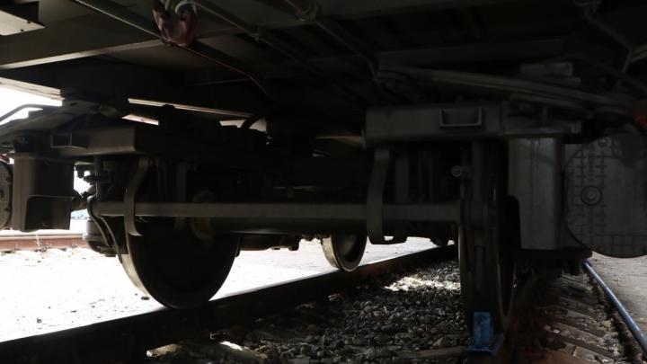 В Борском районе поезд насмерть сбил 20-летнюю мать двоих детей