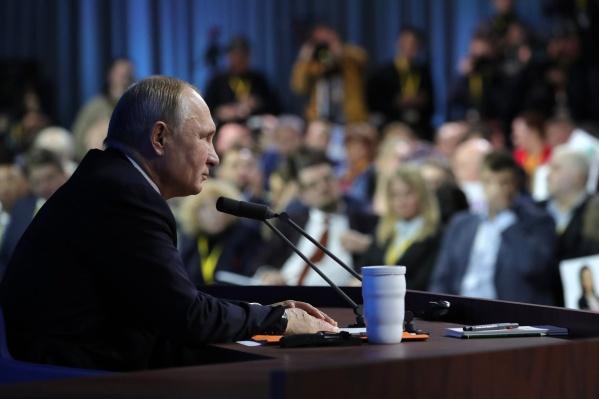 В прошлом году Путин общался с прессой меньше четырех часов