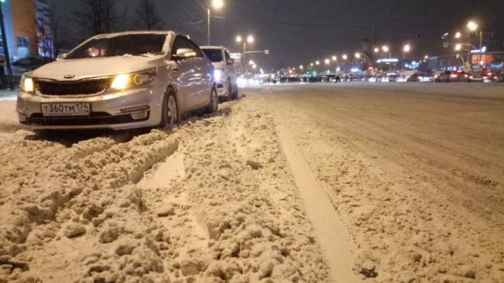 Власти рассказали, как чистят заваленный снегом Челябинск