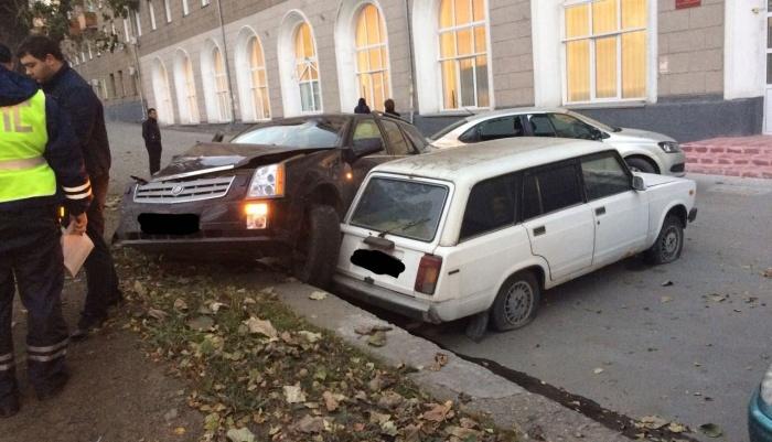 В результате ДТП пострадала пассажирка «Кадиллака»