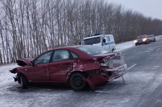 В массовом ДТП ВАЗ-2113, Chevrolet Lacetti, КIA Rio и КАМАЗа погибла женщина
