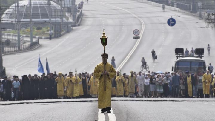 Спустя тысячу лет после Красного Солнышка: в Омске прошёл крестный ход в честь Дня крещения Руси