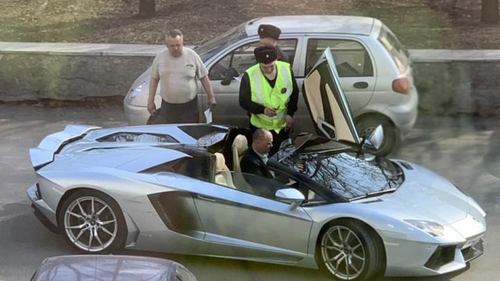 Полиция прояснила обстоятельства ДТП с Lamborghini Александра Аристова в центре Челябинска
