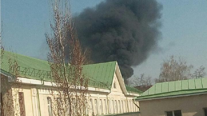 Уфимцев напугал черный дым на проспекте Октября