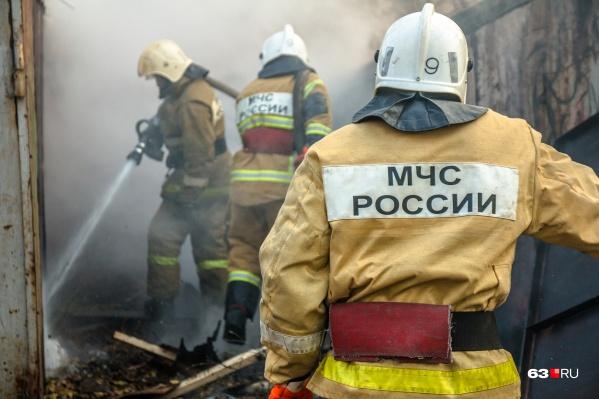 Пожарные работали по повышенному рангу 1 БИС