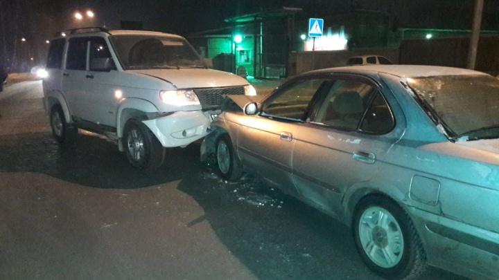 «УАЗ Патриот» столкнулся лоб в лоб с Nissan Sunny