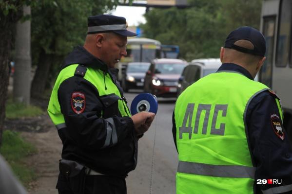 43-летний мужчина на эмоциях наговорил лишнего сотруднику ГИБДД Красноборского района