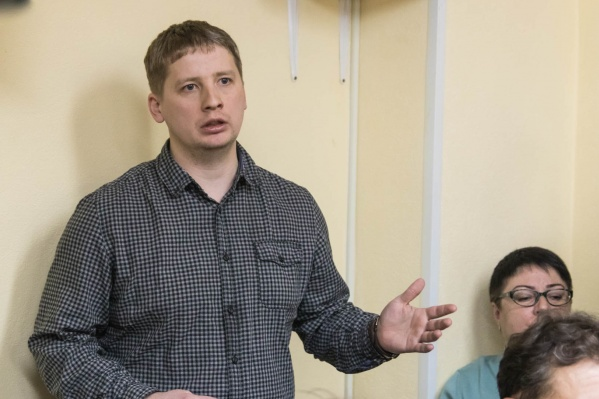Дмитрий Андреев задал на слушаниях три вопроса, но ответов по сути не получил