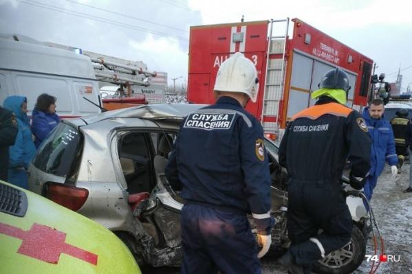 Авария произошла в районе ЧГРЭСа и унесла жизнь молодой женщины — водителяToyota Vitz