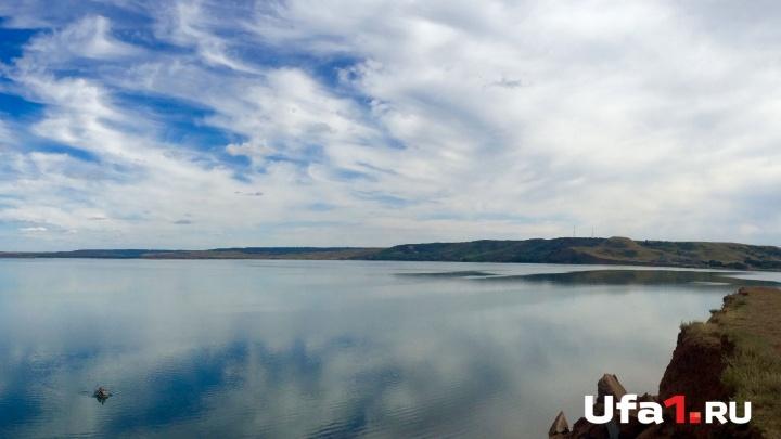 «Подводный клад»: житель Башкирии прятал на дне озера обрез