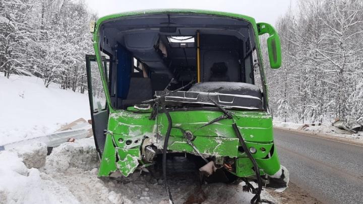 Нарушения ПДД и неисправности: прокуратура проверила перевозчика, чей автобус попал в ДТП под Нытвой