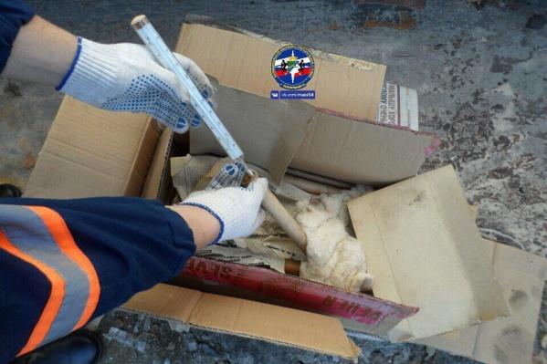 Спасатели увезли градусники на базу АСО«Центральный» для утилизации