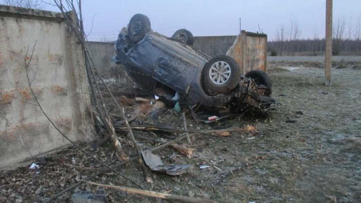 Женщину бросили умирать в машине: водитель и пассажир сбежали с места ДТП под Переславлем