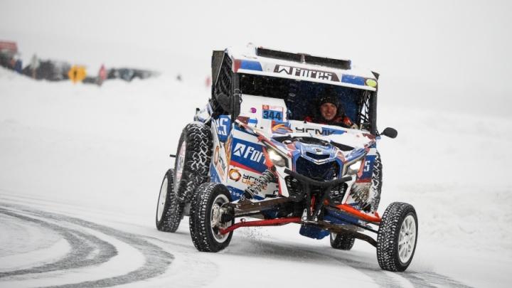 Уральский гонщик Cергей Карякин на своем багги возьмет штурмом лыжный склон Уктуса