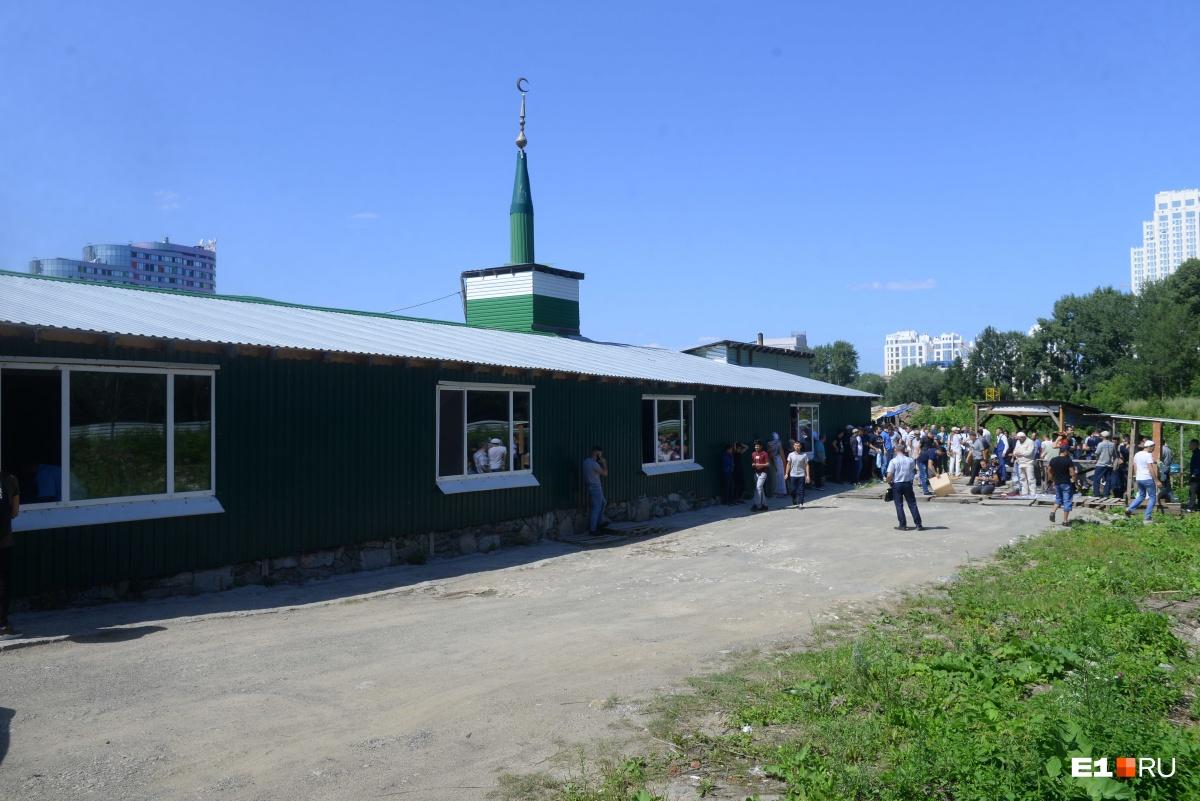 Временная мечеть«Нур-Усман», ее скоро снесут