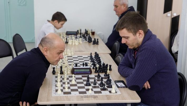«Никакой предсказуемости тут нет»: волгоградцы сыграли в шахматы для третьего тысячелетия