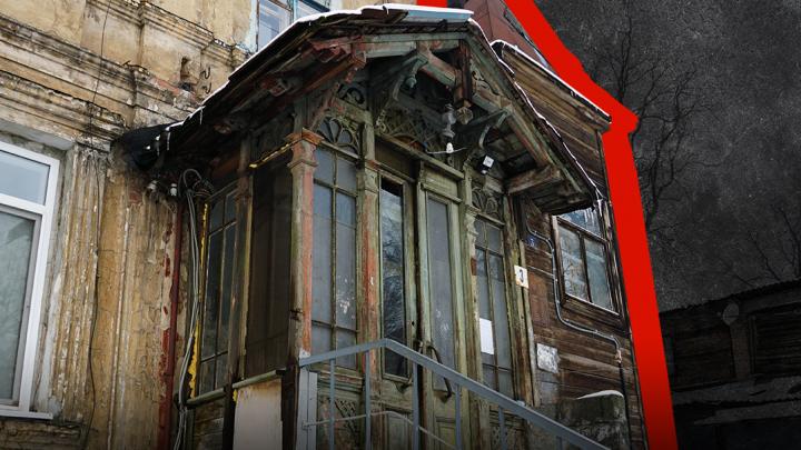 «Сами живите в памятнике»: старинный дом в центре Ростова рушится, но его не спешат ремонтировать