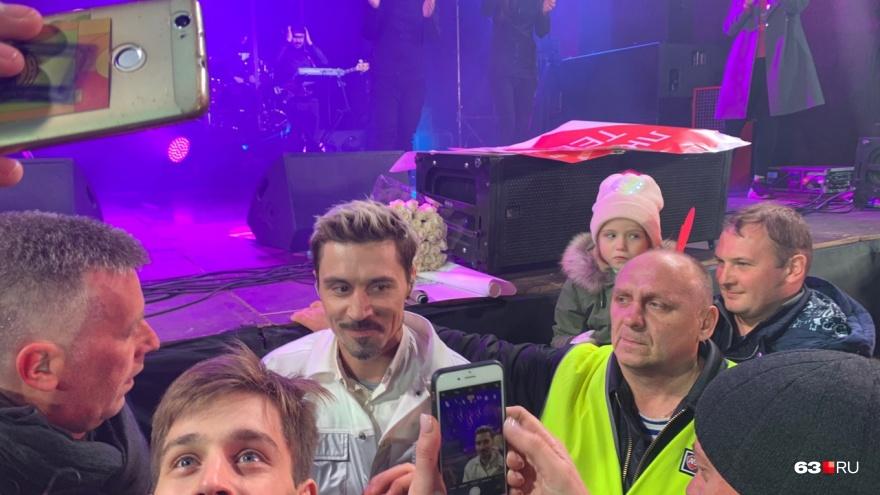 Дима в народе: самые эмоциональные фото «покаянного» концерта Билана в Самаре