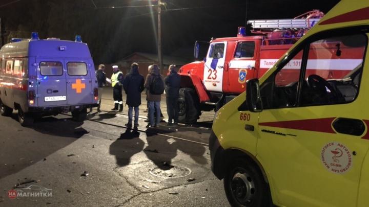 Пять человек в больнице: крупную аварию в Магнитогорске устроил пролетевший на красный автомобилист