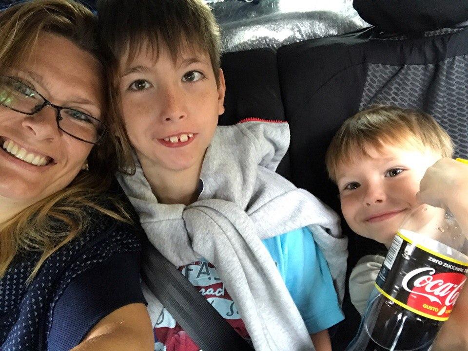 Лилия с сыновьями