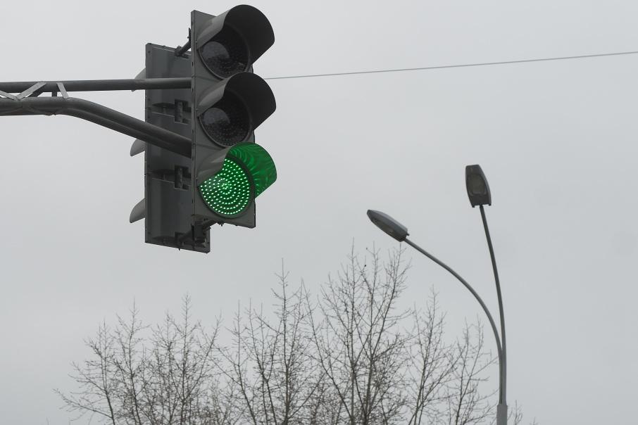 Зеленый для водителей теперь будет гореть дольше