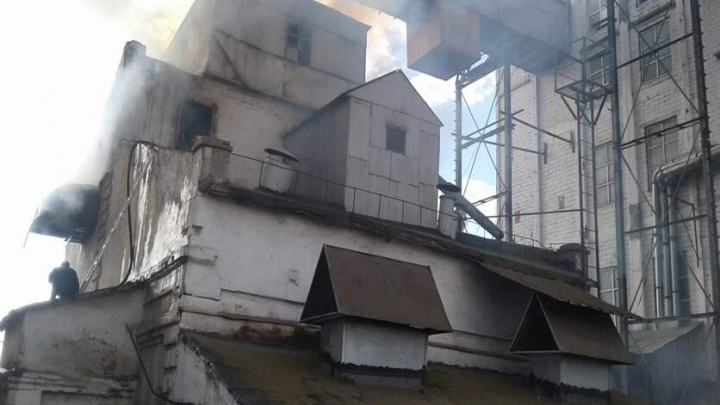 Десять тонн гречки сгорело при пожаре на элеваторе в Башкирии