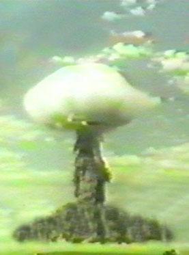 Испытания ядерной бомбы во время военных учений на Тоцком полигоне в 1954 году