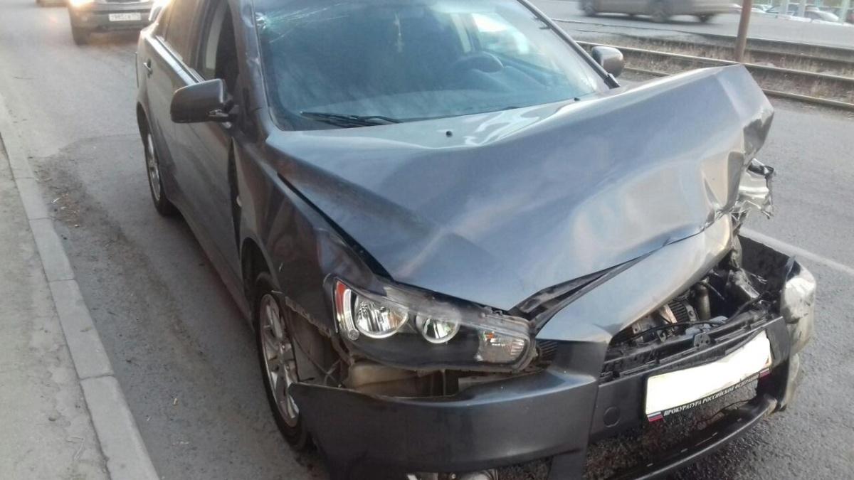 Водитель этого Mitsubishi сбил пешехода и сбежал, потому что был пьян и лишен прав