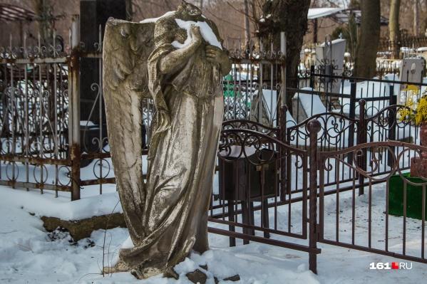 Сумма пособия в любом случае заметно ниже рыночных цен на похоронные услуги