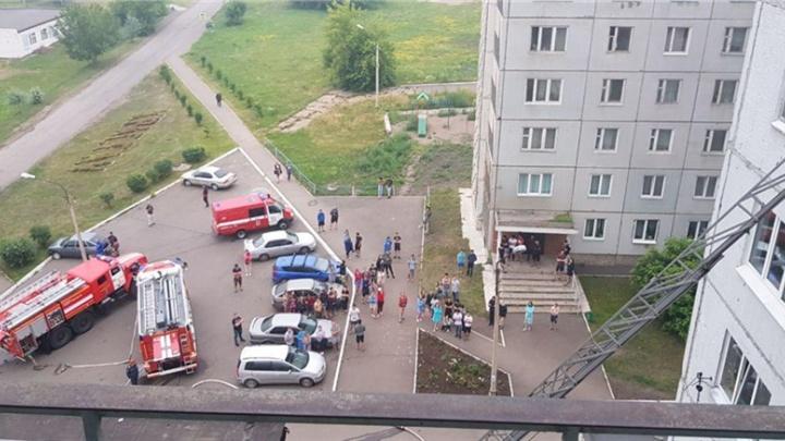 Жильцы общежития Аграрного университета утром выбегали из здания из-за мелкого пожара