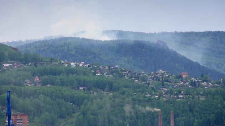На юге Красноярского края ожидают масштабные пожары: полицейские ищут поджигателей и грозят штрафами