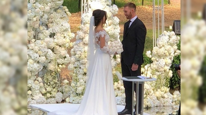 Бывший нападающий «Локомотива» устроил роскошную свадьбу: фото