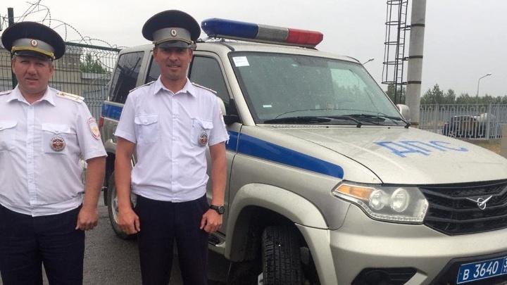 Ночью осталась одна на трассе: волгоградские полицейские выручили беременную москвичку