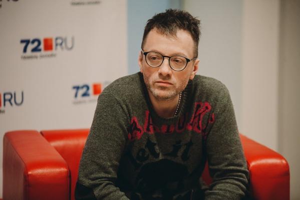 Глеб Самойлов с 2010 года выступает с группой The Matrixx. Иногда играют и старые песни с времен «Агаты Кристи»