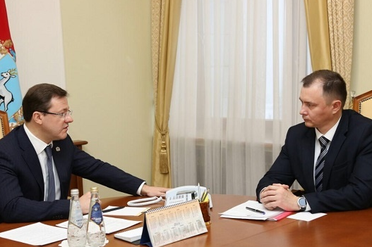 Дмитрий Азаров и Дмитрий Холин теперь поработают вместе в реготделении «ЕР»