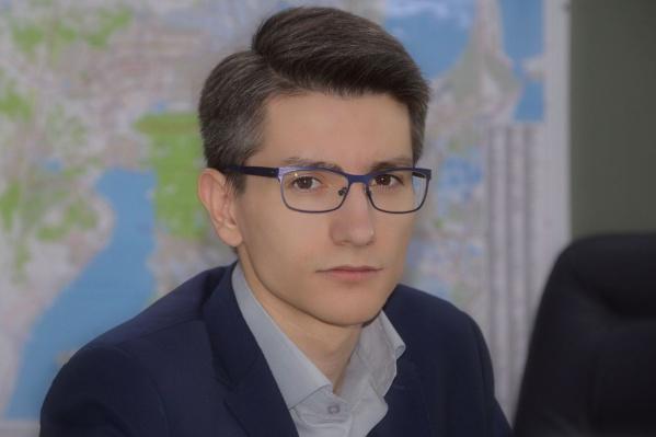 Раньше Захид Камилов работал директором мусорного полигона в Полетаево