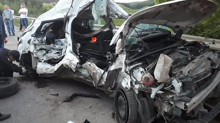 Массовая авария в Башкирии: погибли водитель и пассажир иномарки
