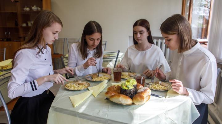 Школьное питание в руках «Профессионалов»: история организации, изменившей отношение к аутсорсингу