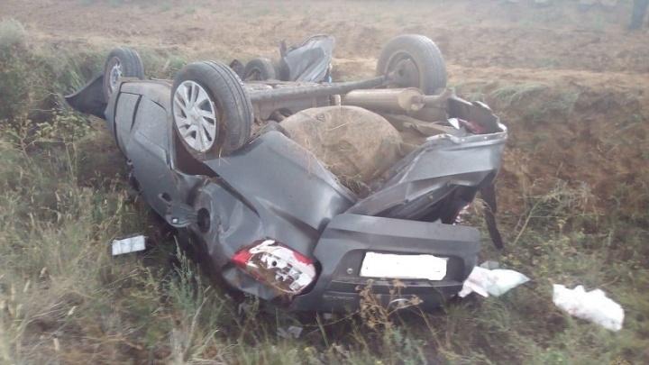 Под Волгоградом водитель «Лады-Гранты» погиб, вылетев с трассы