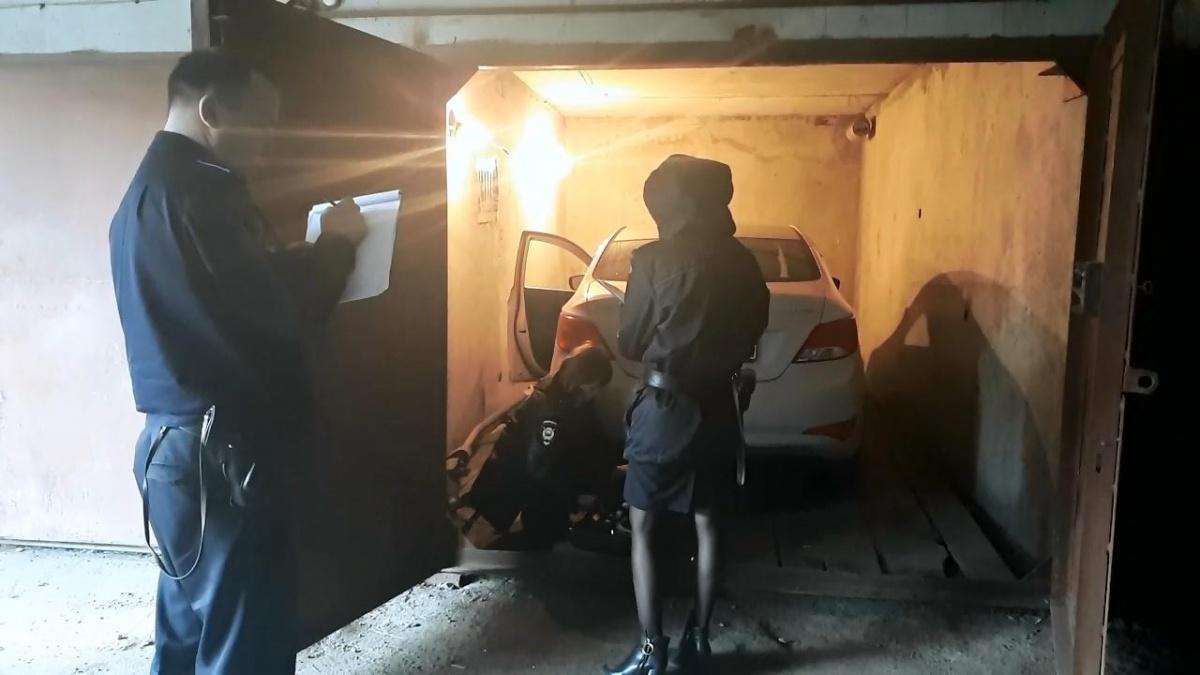 В Екатеринбурге поймали мужчин, которые угнали Hyundai с помощью спецоборудования