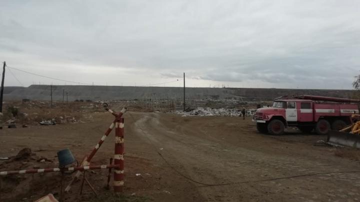 В Башкирии загорелся мусорный полигон: пожар ликвидировали почти неделю